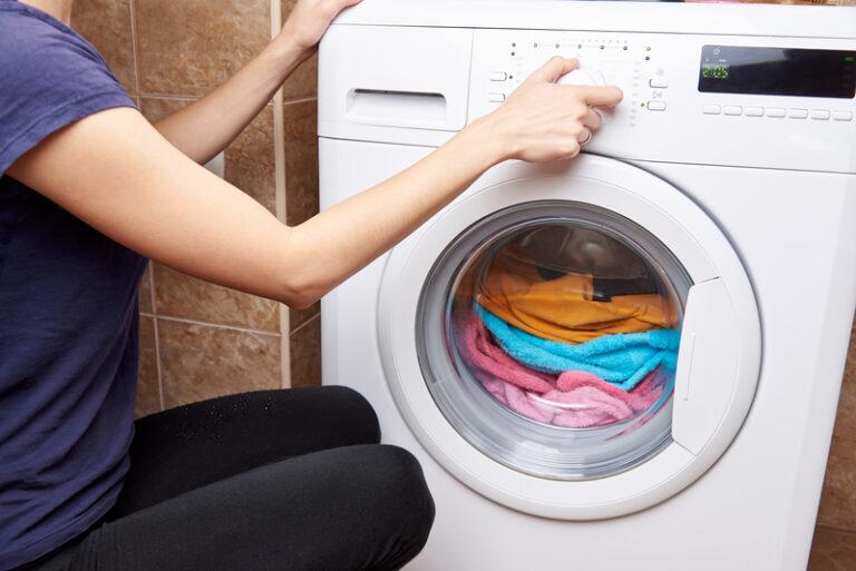 wat doen met stinkende wasmachine