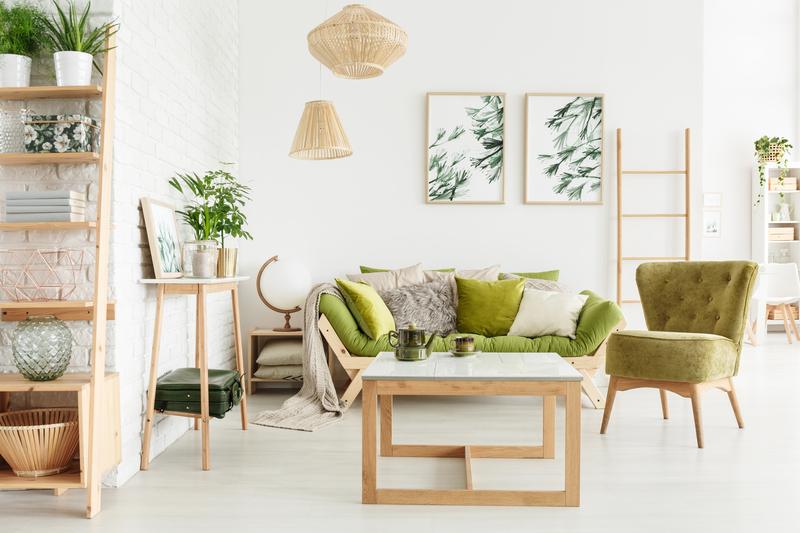 groene accessoires in de woonkamer