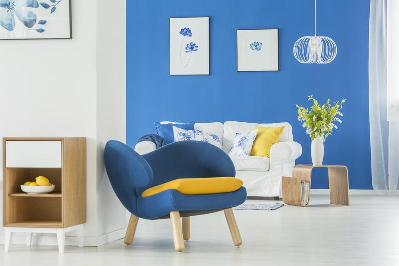 Blauw en geel in het interieur