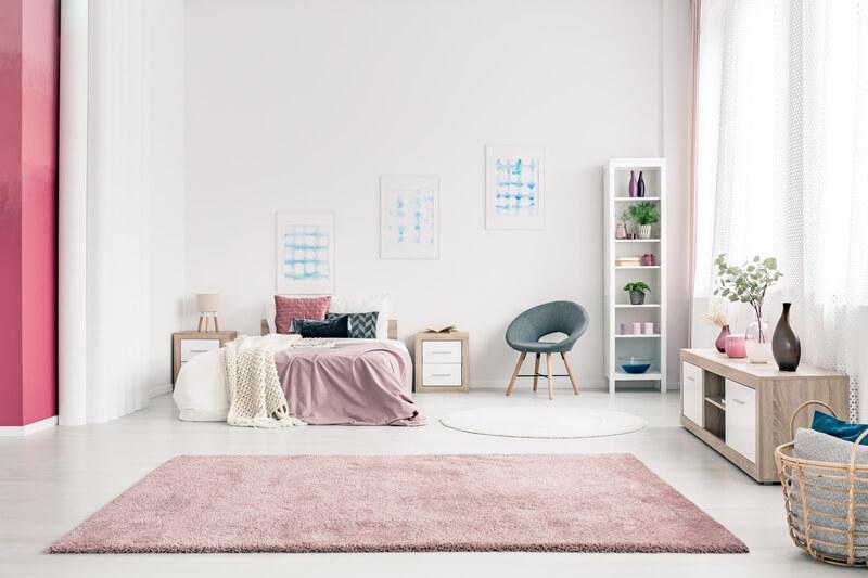 roze in de slaapkamer
