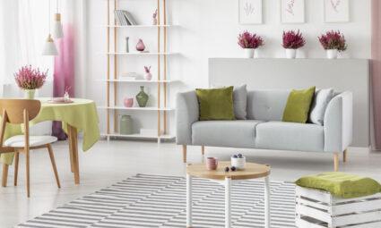 Een zomerse woonkamer inrichten
